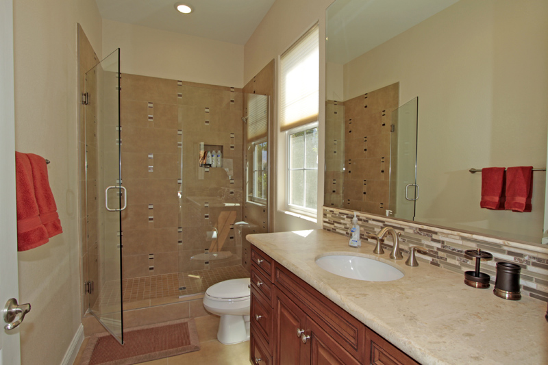 Casita-Detached-Bathroom-La-Quinta