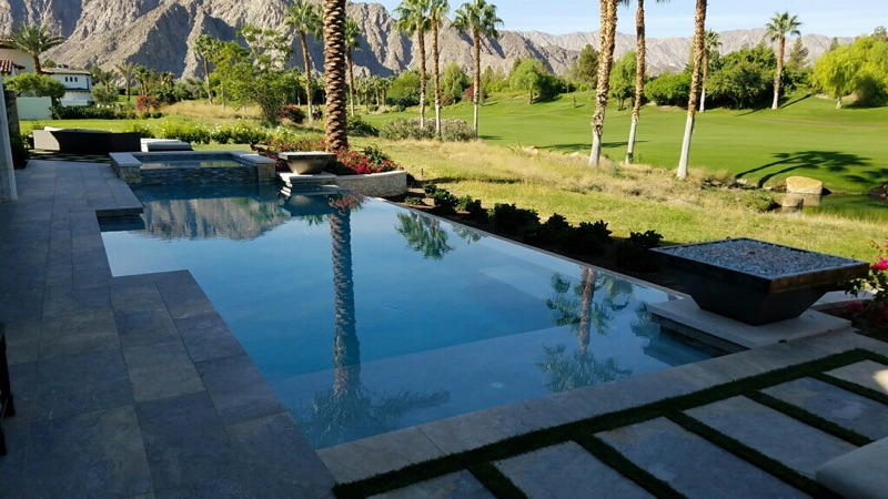 Infinity-Swimming-Pool-Spa-La-Quinta-Hideaway1